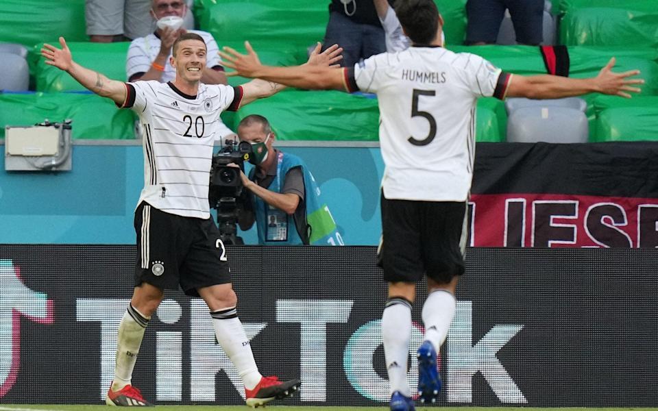 Gosens celebrates with Hummels - AFP