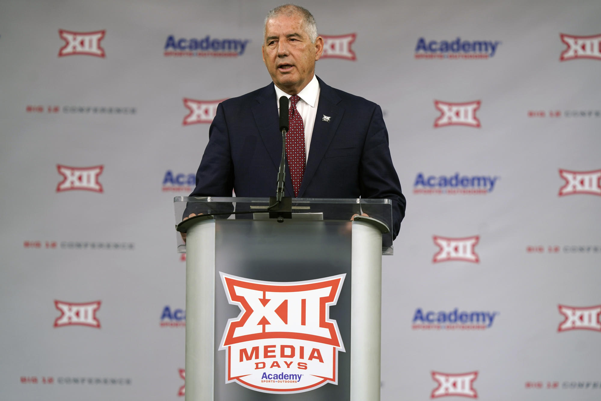 Big 12 commish urges everyone to get vaccinated