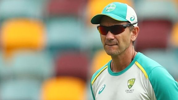 Usman Khawaja: Justin Langer will feel like players are 'stabbing him in the back'