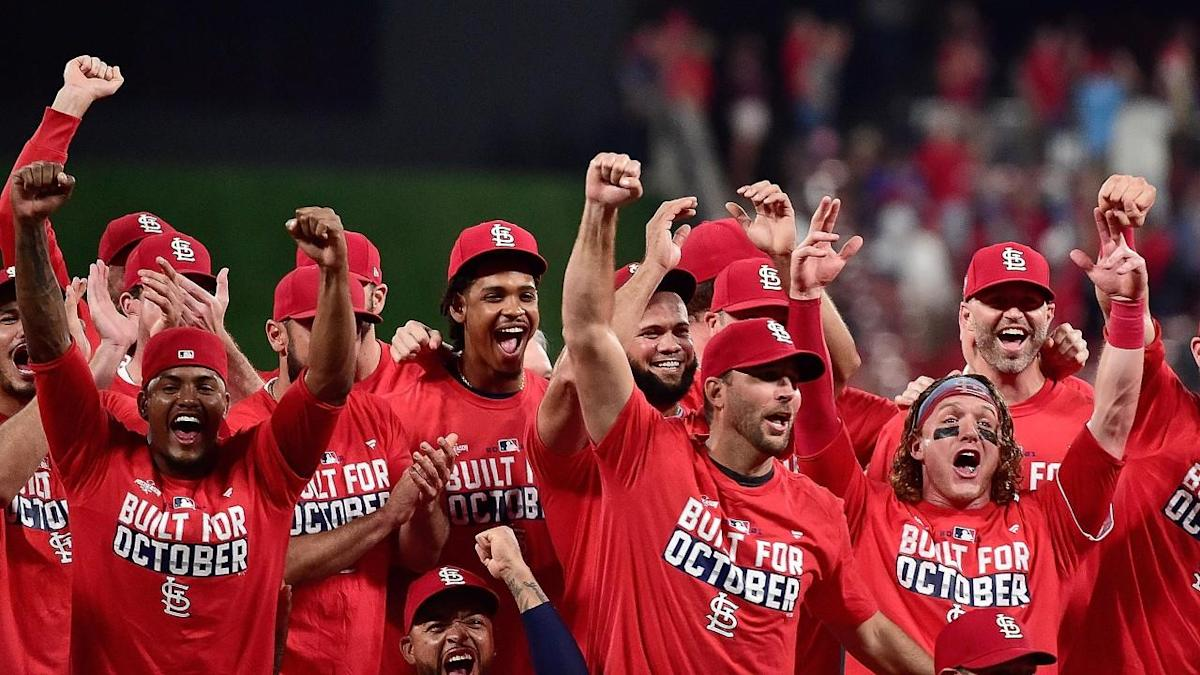 What are the longest winning and losing streaks in MLB history?
