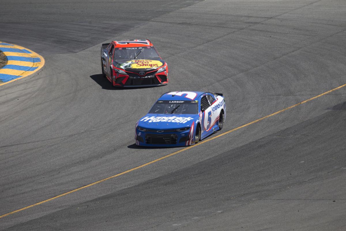 Will Truex, Larson again dominate Darlington?