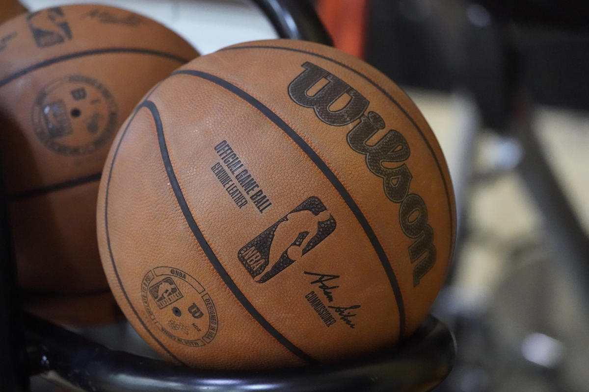 NBA lays out rules for non-vaxxed players