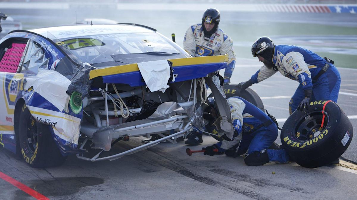 NASCAR on Chase Elliott-Kevin Harvick feud: 'We don't need that continuing'