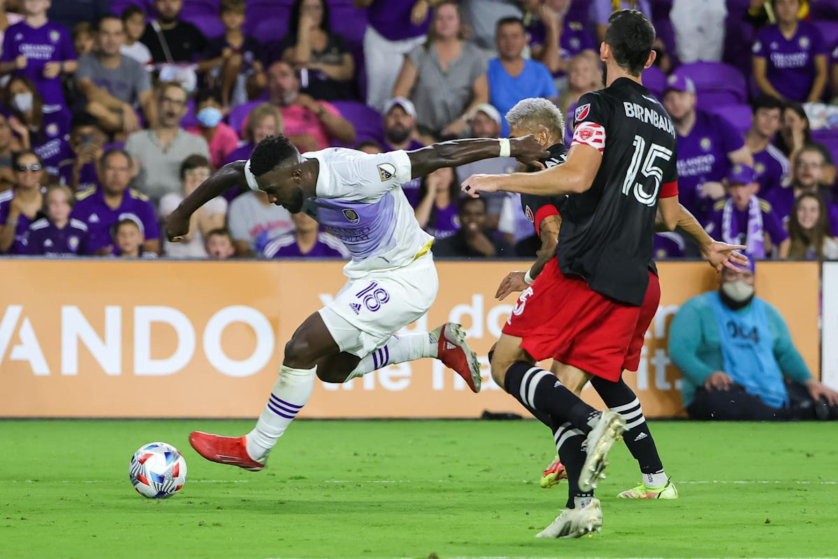 Daryl Dike's extra time goal helps Orlando City beat DC United 2-1