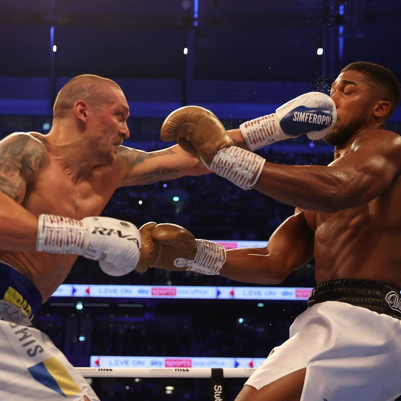Joshua exercises right to title rematch vs. Usyk